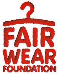 Die Fair Wear Foundation  Den wahrscheinlich besten Standard für Arbeitsbedingungen in der Textilbranche hat die Multi-Stakeholder-Initiative Fair Wear Foundation (FWF) gesetzt. Sie wird von verschiedenen Organisationen geleitet, darunter auch die Clean Clothes Campaign (CCC) aus den Niederlanden, und ihre Standards basieren auf jenen der International Arbeitsorganisation (ILO) und der allgemeinen Erklärung der Menschenrechte und konzentrieren sich insbesondere auf die Sicherstellung der Vereinigungsfreiheit (also z.B. der Freiheit, Gewerkschaften zu gründen).